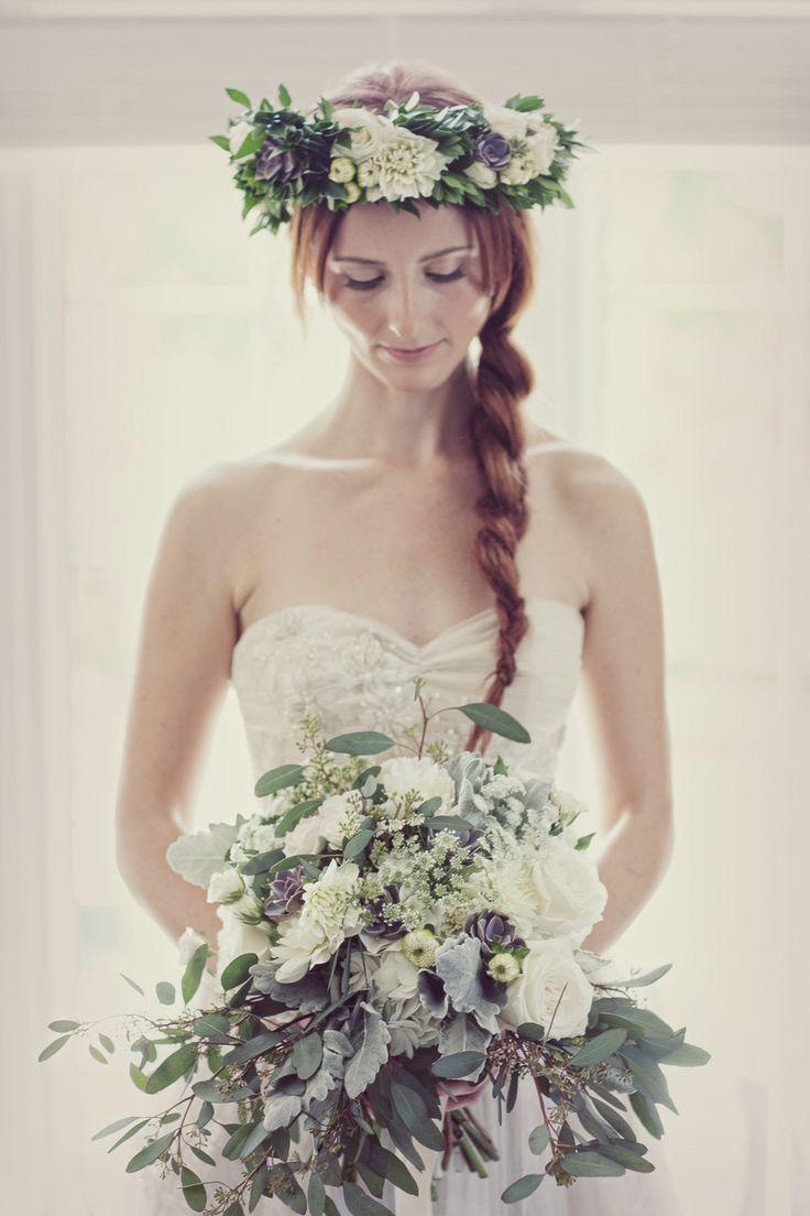 honsberger_niagara_wedding_niagara wedding florists_bouquets_boho_bride_white_succulents_Ooh La La Designs_Rachelle Rousseau photography_photo12
