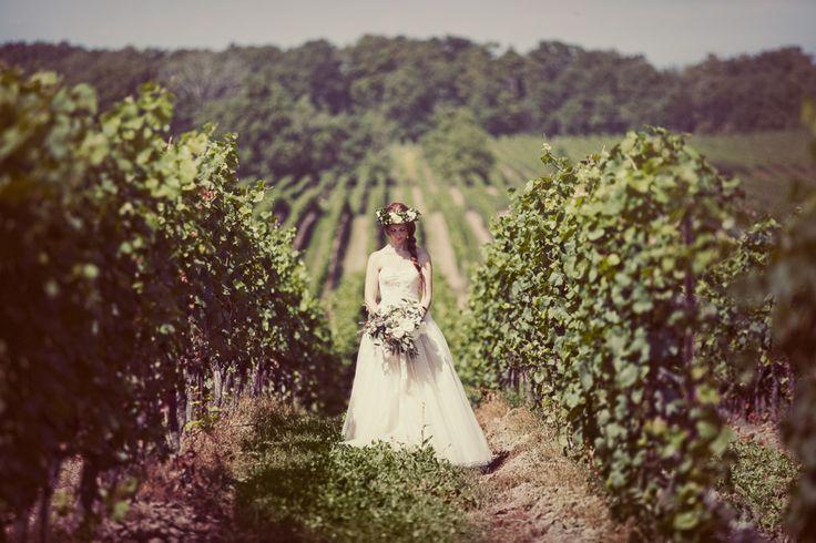 honsberger_niagara_wedding_niagara wedding florists_bouquets_boho_bride_white_succulents_Ooh La La Designs_Rachelle Rousseau photography_photo5