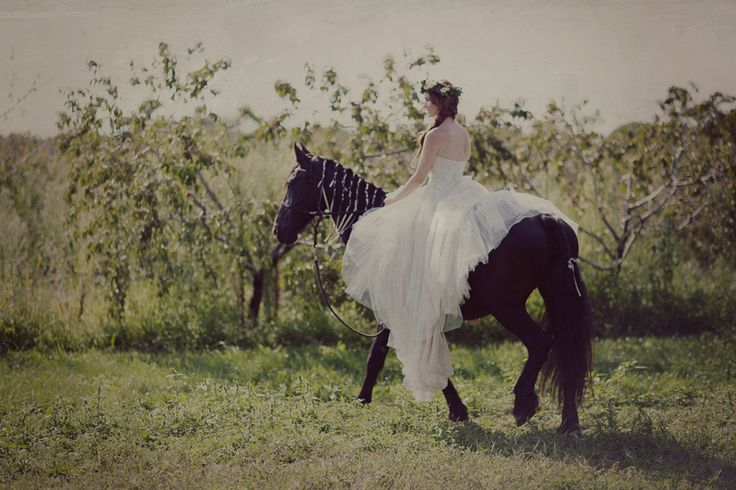 honsberger_niagara_wedding_niagara wedding florists_bouquets_boho_bride_white_succulents_Ooh La La Designs_Rachelle Rousseau photography_photo6