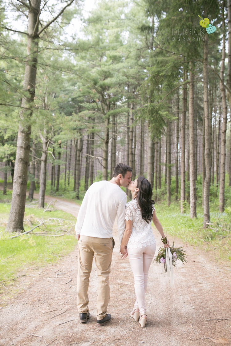 Nancy Kyle_niagara wedding photographers_niagara engagement photographers_kyle chipchura_nhl weddings_wedding photograher_ooh la ladesigns_niagara florist_photo 3