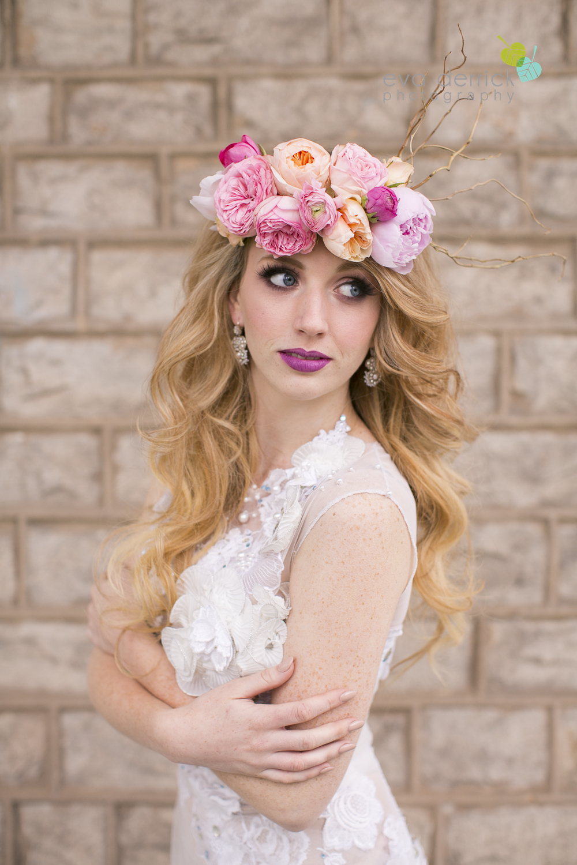 Niagara wedding florist_Toronto Wedding florist_Niagara weddings_ Toronto weddings_Eva Derrick Photography_floral crown_Ooh La La Designs_20a