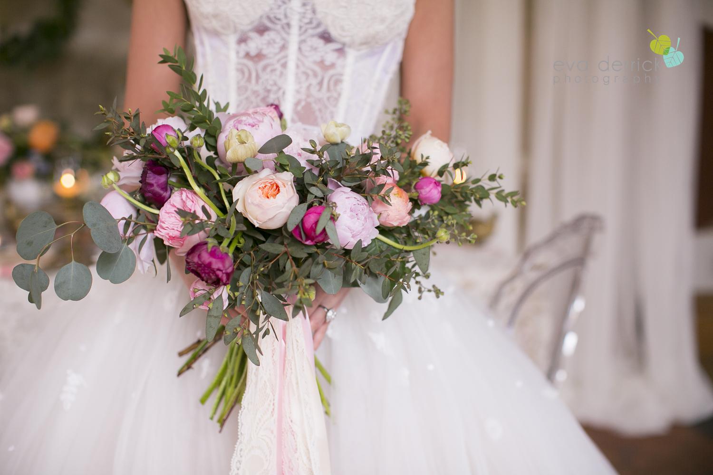 Niagara wedding florist_Toronto Wedding florist_Niagara weddings_ Toronto weddings_Eva Derrick Photography_floral crown_Ooh La La Designs_22