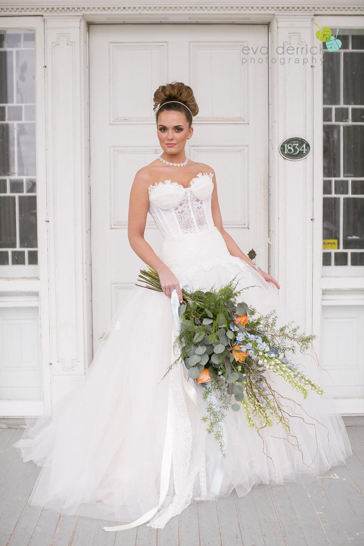 Niagara wedding florist_Toronto Wedding florist_Niagara weddings_ Toronto weddings_Eva Derrick Photography_floral crown_Ooh La La Designs_27