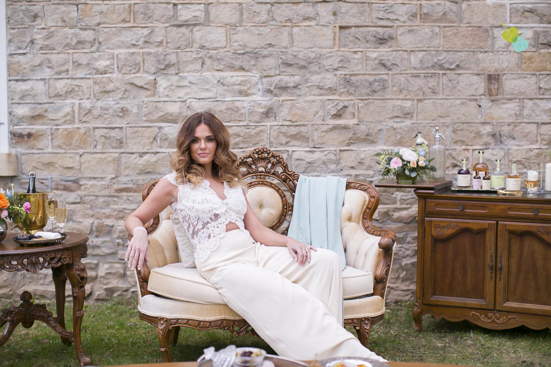 Niagara wedding florist_Toronto Wedding florist_Niagara weddings_ Toronto weddings_Eva Derrick Photography_floral crown_Ooh La La Designs_7