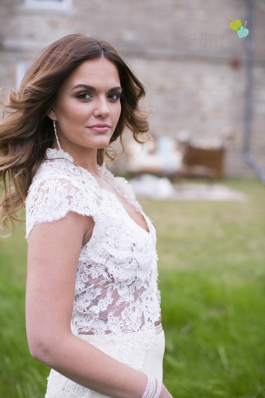 Niagara wedding florist_Toronto Wedding florist_Niagara weddings_ Toronto weddings_Eva Derrick Photography_floral crown_Ooh La La Designs_8