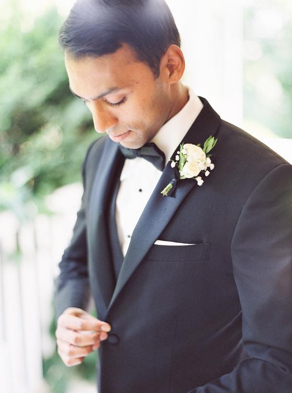Gracewood-Estate-Wedding-Photographer-Andrew-Mark - Ooh La La Designs_Niagara Wedding Florist_Kurtz Orchard Wedding Flowers-03