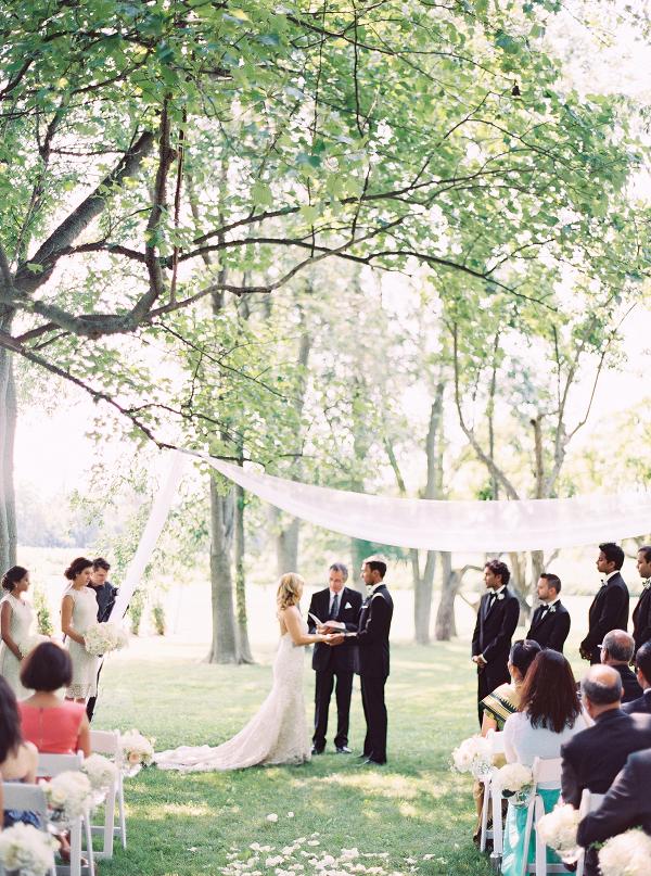 Gracewood-Estate-Wedding-Photographer-Andrew-Mark - Ooh La La Designs_Niagara Wedding Florist_Kurtz Orchard Wedding Flowers-10