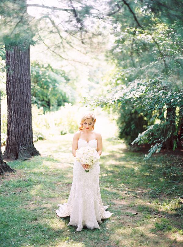 Gracewood-Estate-Wedding-Photographer-Andrew-Mark - Ooh La La Designs_Niagara Wedding Florist_Kurtz Orchard Wedding Flowers-13